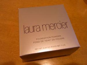 laura_mercier_foundation_powder_0011.JPG